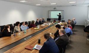 Oznámenie o konaní habilitačnej prednášky a obhajobe habilitačnej práce P. Truchlého