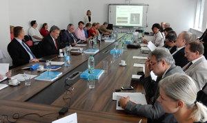 Oznámenie o konaní habilitačných prednášok a obhajoby habilitačných prác M. Kompana a P. Lacka
