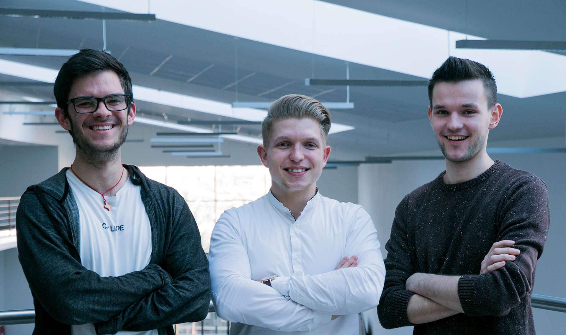 Slovenskí študenti zožali úspech s projektom internetového prehliadača pre nevidiacich - Fakulta informatiky a informacnych technologii v Bratislave