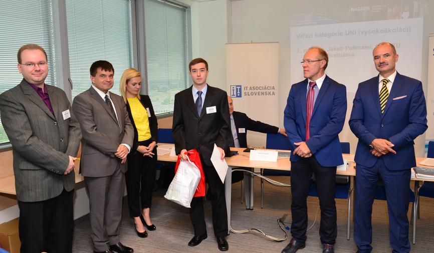 Minister ocenil mladých odborníkov na sieťové technológie